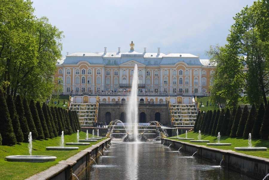Giro panoramico di San Pietroburgo e reggia di Peterhof