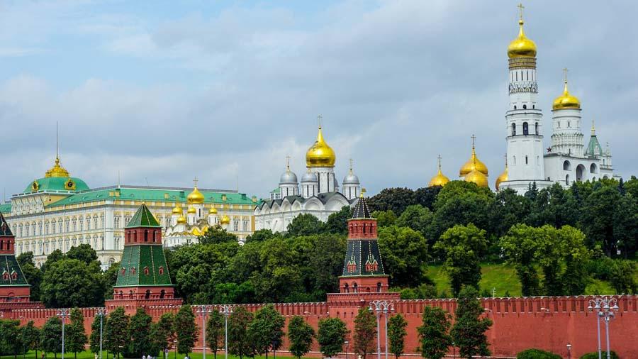 Il Cremlino: Territorio, Cattedrali e l'Armeria
