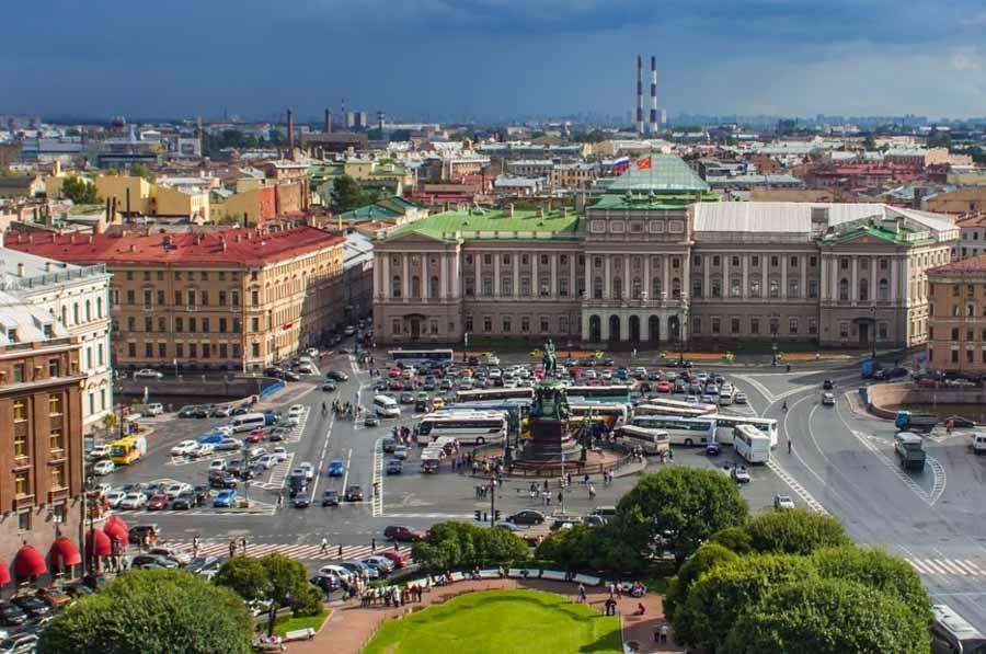 Per le vie e le cattedrali di San Pietroburgo