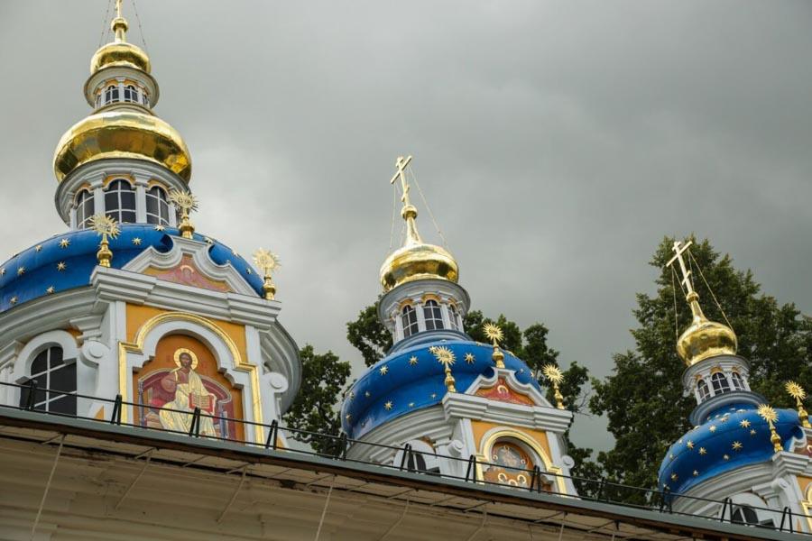 Fuori San Pietroburgo: Pskov, Izborsk e monastero Pskovo-Pecherskiy