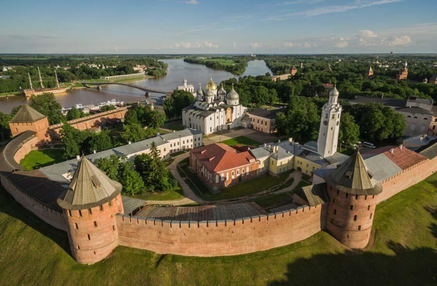 Fuori San Pietroburgo: Città di Novgorod Veliky