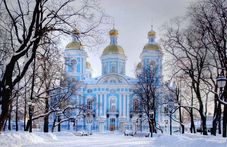 Il fascino della Cattedrale di San Nicola in inverno