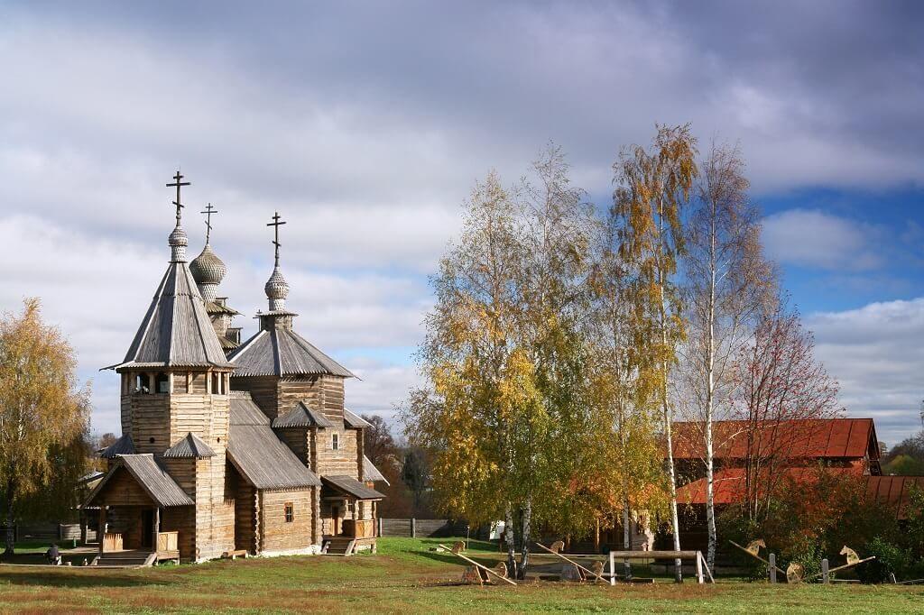 Suzdal: non solo Monumenti Bianchi, ma anche edifici e chiese in legno